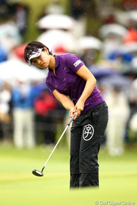 今週開幕前、表純子にアドレスの向きを指摘されてからパットも好調。2年ぶりの勝利を飾った森田理香子 2012年 ミヤギテレビ杯ダンロップ女子オープンゴルフトーナメント 最終日 森田理香子