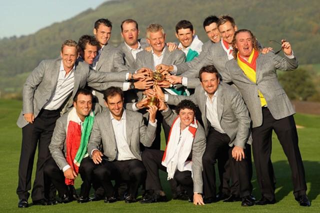 2012年 WORLD ライダーカップ 2010年大会を制した欧州選抜メンバー。彼らの強さ、欧州ツアーの強みとは何なのか?(Andy Lyons/Getty Images)