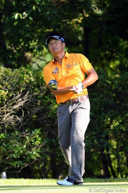トップの2人に2打差。宮本勝昌が好位置で決勝ラウンドに進んだ。