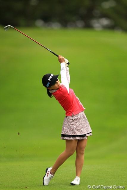 2012年 日本女子オープンゴルフ選手権競技 2日目 上原彩子 やっぱり沖縄育ちには、このぐらいの風なら微風でしたかね?4位タイです。