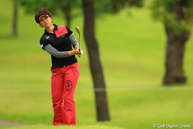 2012年 日本女子オープンゴルフ選手権競技 2日目 森田理香子 グリーン上でボールが動いてペナルティを取られる不運もありましたが、何とか踏ん張ってトップと4打差6位タイです。