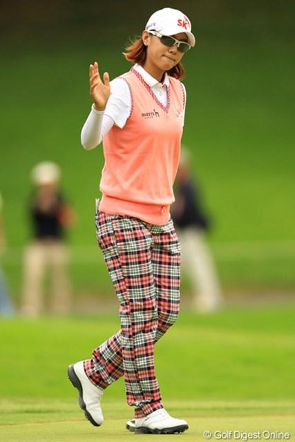 2012年 日本女子オープンゴルフ選手権競技 2日目 チェ・ナヨン 超ロングパットが入っても、相変わらず超クール。