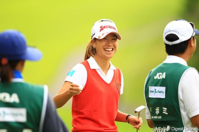 2012年 日本女子オープンゴルフ選手権競技 2日目 木戸愛 一時は単独トップに。上がり3ホールでバタバタしちゃったけど、首位と1打差の単独2位です。木戸ちゃんの笑顔もイイね!