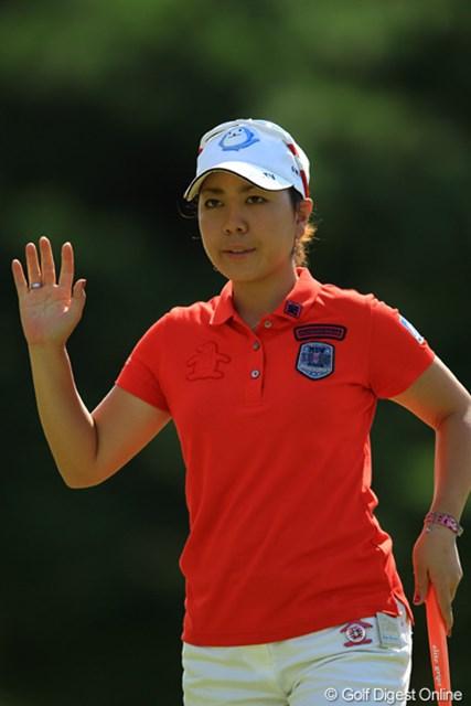 バックナインで崩れてしまいましたが、首位と3打差はチャンスですね。2度目の日本女子オープン制覇なるか・・・。