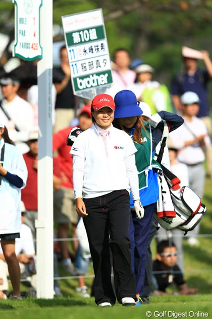2012年 日本女子オープンゴルフ選手権競技 最終日 永峰咲希 プレーオフ3ホール目で篠原真里亜を破り、ローアマタイトルを獲得した永峰咲希