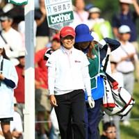 プレーオフ3ホール目で篠原真里亜を破り、ローアマタイトルを獲得した永峰咲希 2012年 日本女子オープンゴルフ選手権競技 最終日 永峰咲希