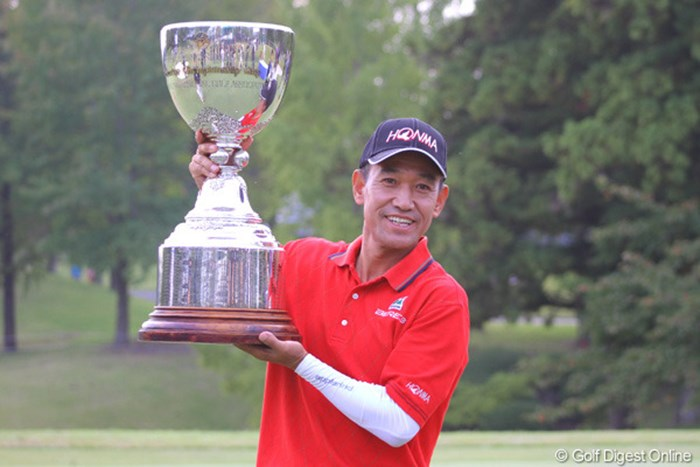 昨年大会はキム・ジョンドクが逃げ切り。見事シニアメジャーを制した。 2012年 日本プロゴルフシニア選手権大会 事前情報 キム・ジョンドク