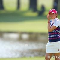 肘に負担を掛けない優しいゴルフで首位発進の飯島茜 飯島茜