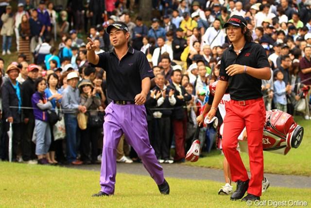 2012年 キヤノンオープン 最終日 池田勇太&石川遼 思うようなゴルフが出来ず塞ぎ込む遼くんを、勇太が鼓舞するかのような場面も見られました。