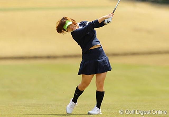 綾田紘子 初日には学生服のようなウェアでギャラリーからの視線を集めた綾田紘子