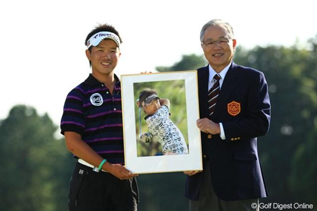 2012年 キヤノンオープン 最終日 伊藤誠道 ホールインワンを達成した伊藤誠道は、大会ベストアマのタイトルも獲得した。