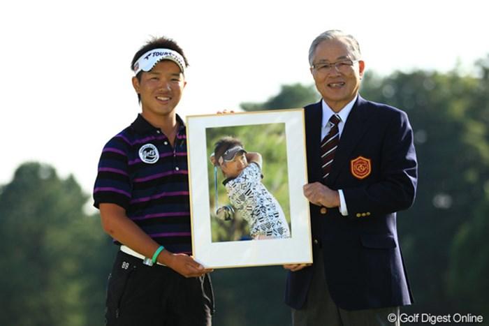 ホールインワンを達成した伊藤誠道は、大会ベストアマのタイトルも獲得した。 2012年 キヤノンオープン 最終日 伊藤誠道