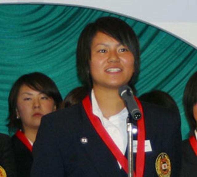 2003年度 JGA男女ナショナルチームメンバー表彰式 宮里藍 国内での活躍が目立った宮里藍だが、チームジャパンの一員としても海外で大活躍。ネイバーズトロフィーでは個人の部で1位に輝いた。