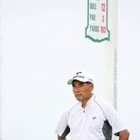 沖縄の風は俺の風、どんどん吹け!・・・と勝手に想像してたけど92位タイ。 2012年 日本オープンゴルフ選手権競技 初日 友利勝良