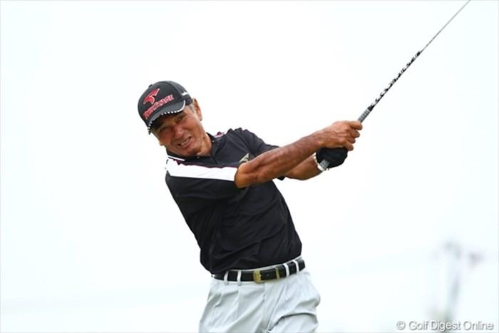 宮古島出身のプレーヤー、友利勝良。風は得意ではあるが・・・ 2012年日本OP写真速報 2日目/友利勝良