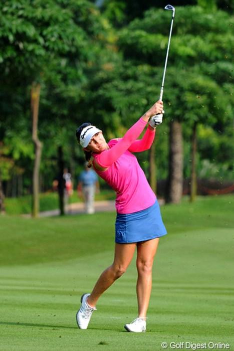 藍ちゃんと同組でした。そんなに飛んでなかったけど、確実にピンにからめてきてました。2位 2012年 サイム・ダービー LPGA マレーシア 2日目 シドニー・マイケルズ