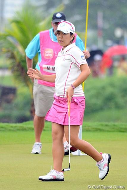 2012年 サイム・ダービー LPGA マレーシア 3日目 宮里美香 プレー再開直後から連続バーディを奪って首位に迫った宮里美香。