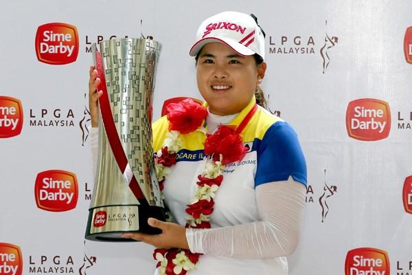 朴仁妃が逆転で今季ツアー2勝目 藍、美香は9位タイ