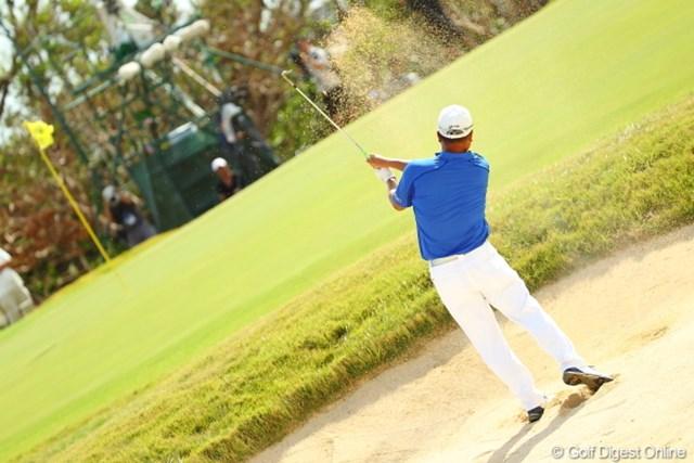 2012年 日本オープンゴルフ選手権競技 最終日 小田孔明 やっと晴れた最終日。バンカーの砂も綺麗に見える。