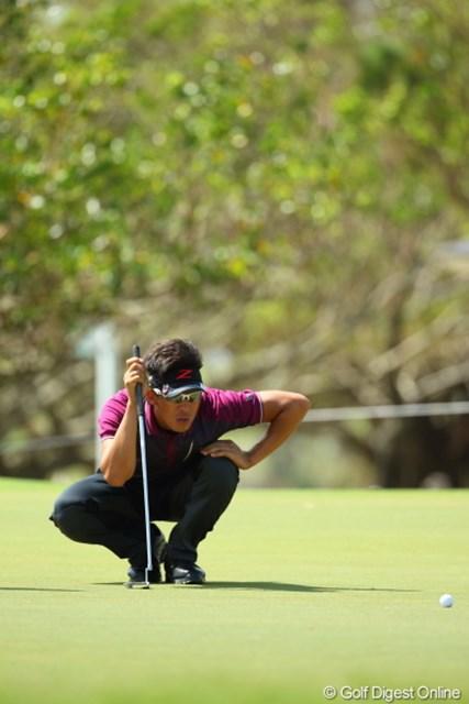 2012年 日本オープンゴルフ選手権競技 最終日 上井邦浩 バイザーのマークとポーズがリンクしてるね。