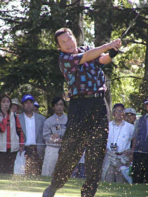 2002年 全日空オープンゴルフトーナメント 最終日 尾崎将司 55歳とは思えぬ力強いショット