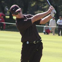 ナイキのウェアで色は黒。さらにサングラスときたら、やっぱり強そうに見える。 2002年 ブリジストンオープンゴルフトーナメント 最終日 スコット・レイコック