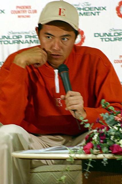 2002年 ダンロップフェニックストーナメント 3日目 横尾要 後半にしっかりスコアをまとめ首位をキープした横尾要
