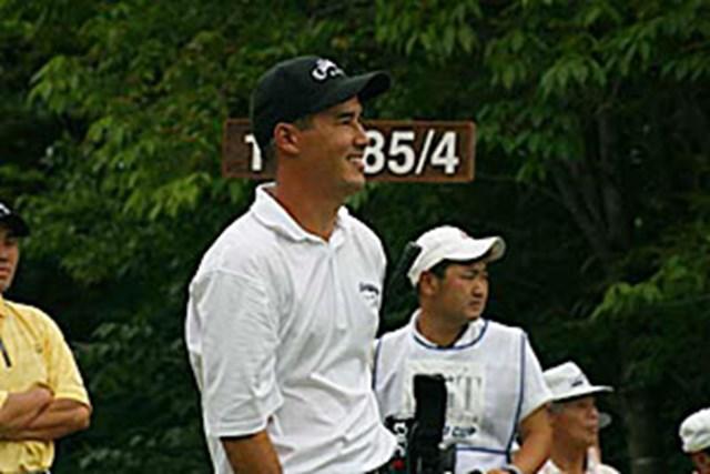 2002年 日本ゴルフツアー選手権イーヤマカップ 3日目 ディーン・ウィルソン D.ウィルソン、1番ティショット直後