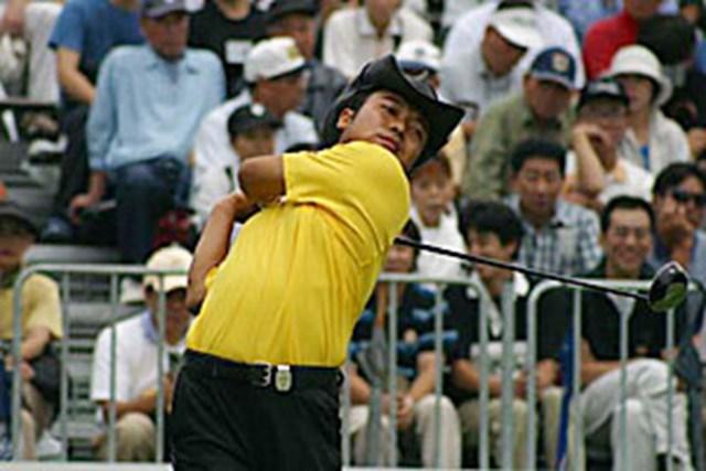 2002年 日本ゴルフツアー選手権イーヤマカップ 3日目 片山晋呉 片山晋呉左素振り