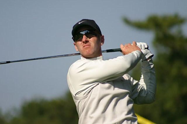 2002年 ダンロップフェニックストーナメント 事前情報 デビッド・デュバル ゴルフ界で一番サングラスが似合う男、デビッド・デュバルがパワーフェードの弾道を追う。