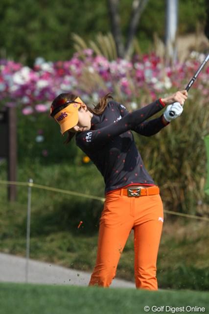 2012年 LPGAハナバンク選手権 初日 キム・ジャヨン ひときわ細い!韓国で今、一番人気だそうですよ。