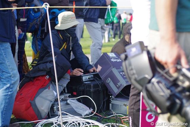 2012年 LPGAハナバンク選手権 初日 カメラ 遠隔カメラを操作するのはこんな人。