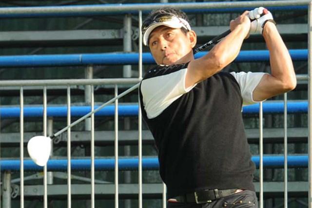 選手、監督としてプロ野球・阪神に在籍した真弓氏。アマチュアとして本選出場を目指し、バーディ発進で滑り出したが…。