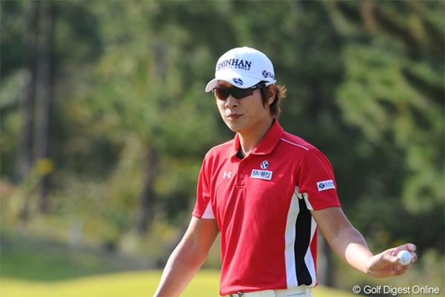 2012年 マイナビABCチャンピオンシップゴルフトーナメント 2日目 キム・キョンテ 2年ぶりの大会制覇へ。予選を終えて3打差単独首位に浮上したキム・キョンテ