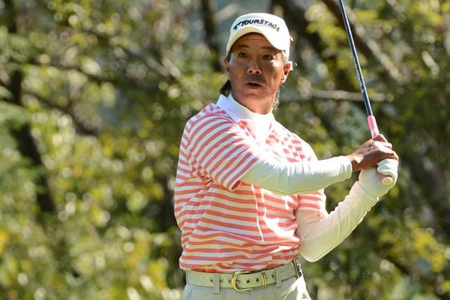 初のシニアオープン出場で井戸木鴻樹は絶好のポジションで決勝ラウンドを迎える。(提供:日本ゴルフ協会)