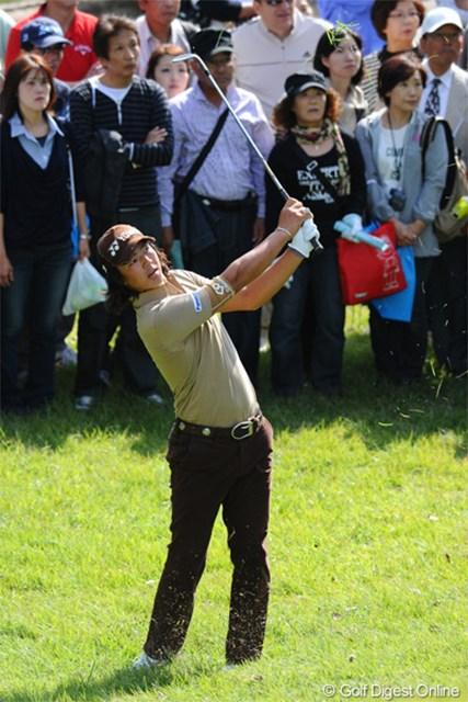 2012年 マイナビABCチャンピオンシップゴルフトーナメント 2日目 石川遼 さすがは千両役者ですワ。3連続&2連続を含む7バーディ奪取です~!でも、終始厳しい表情でプレーをしてはりました。3位T