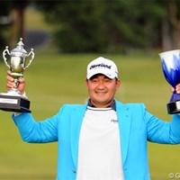 日本ツアー参戦5年目にして、うれしい初勝利を飾ったH.リー。 2012年 マイナビABCチャンピオンシップゴルフトーナメント 最終日 ハン・リー