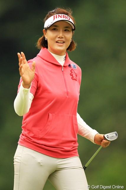 2012年 樋口久子 森永製菓ウイダーレディス 最終日 全美貞 パッティングも完璧!全く隙のないゴルフでしたね。