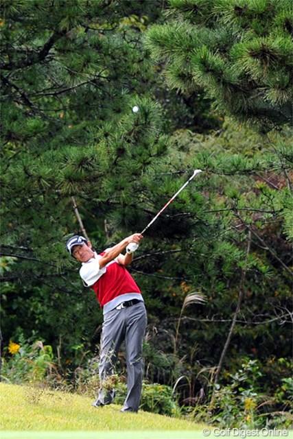 大阪出身で、兵庫のゴルフ場に所属するバリバリのジモティー。師匠の谷口トールちゃんと同スコアでのホールアウトとなりました。9位T