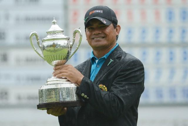 2012年 日本シニアオープンゴルフ選手権競技 最終日 フランキー・ミノザ 消耗戦、混戦を制したF.ミノザが逆転でビッグタイトルを手にした。(提供:日本ゴルフ協会)