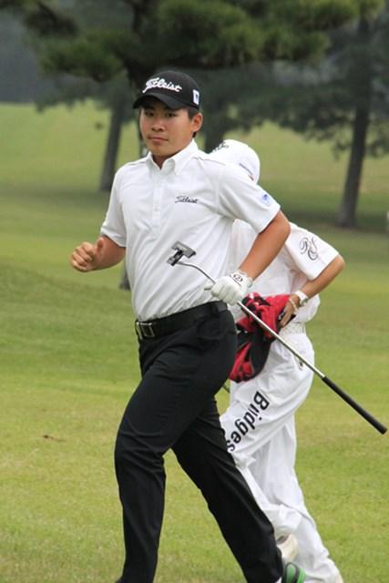 藤本ともに、女性もうらやむ美肌の持ち主。川村は、当分はゴルフを恋人にスター街道を突き進む!!