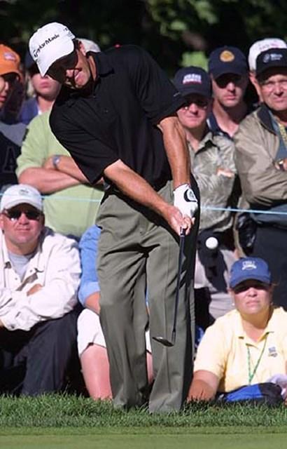 2002年 全米プロゴルフ選手権 3日目 フレッド・ファンク ファンクへのギャラリーの声援は、異常なくらい大きい。
