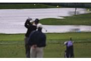 2002年 全米プロゴルフ選手権 3日目 練習場の水溜り