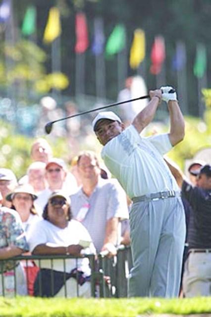 2002年 WGC NECインビテーショナル 2日目 丸山茂樹 10番でのティショット。この日の丸山は出入りの激しいゴルフとなった。