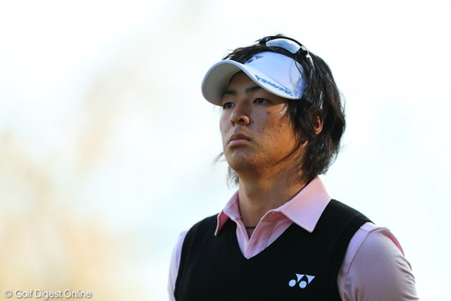 サンバイザーをトーナメントで着用するのは昨年のマスターズ以来。石川遼の髪、確かに短くなった。