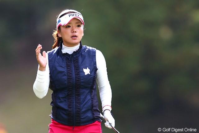 2012年 伊藤園レディスゴルフトーナメント 初日 有村智恵 自身の今季最終戦でチャージ! 8バーディを奪い単独首位に立った有村智恵