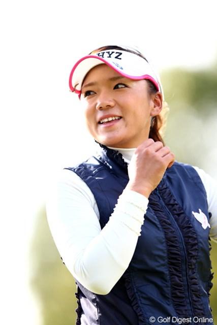 2012年 伊藤園レディスゴルフトーナメント 初日 有村智恵 笑顔の国内最終戦なら良いね