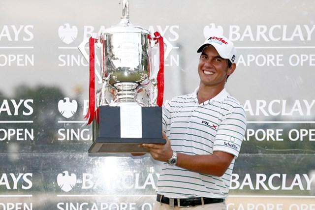 イーグルでプレーオフに決着! 劇的な勝利を飾ったM.マナッセロ (Stanley Chou /Getty Images)