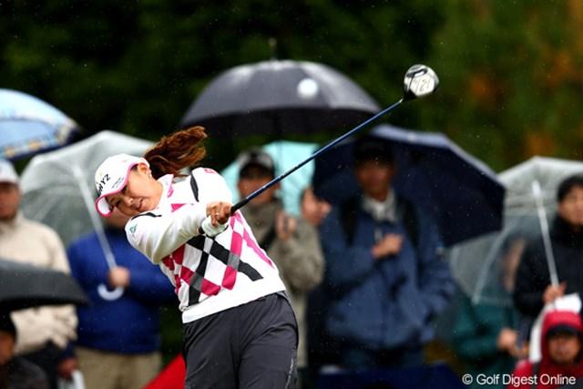 2012年 大王製紙エリエールレディスオープン 2日目 佐伯三貴 無理をしないゴルフが奏功。首位の全を1打差で追う佐伯三貴