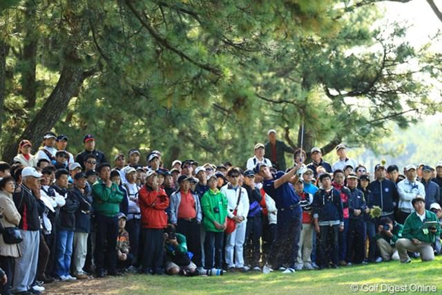 2012年 ダンロップフェニックストーナメント 最終日 ルーク・ドナルド ルークも人の子です。たまには曲げる事もありますよ。